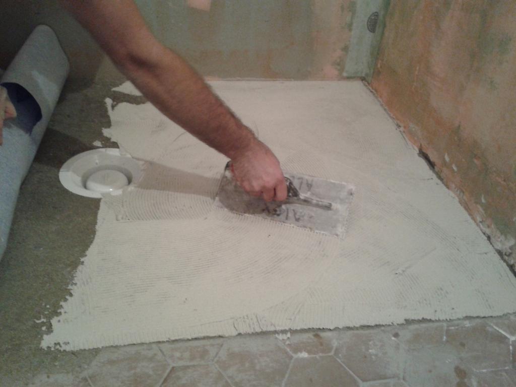 salles de bains salles d eau cr atherm plomberie electricit et chauffage vannes. Black Bedroom Furniture Sets. Home Design Ideas